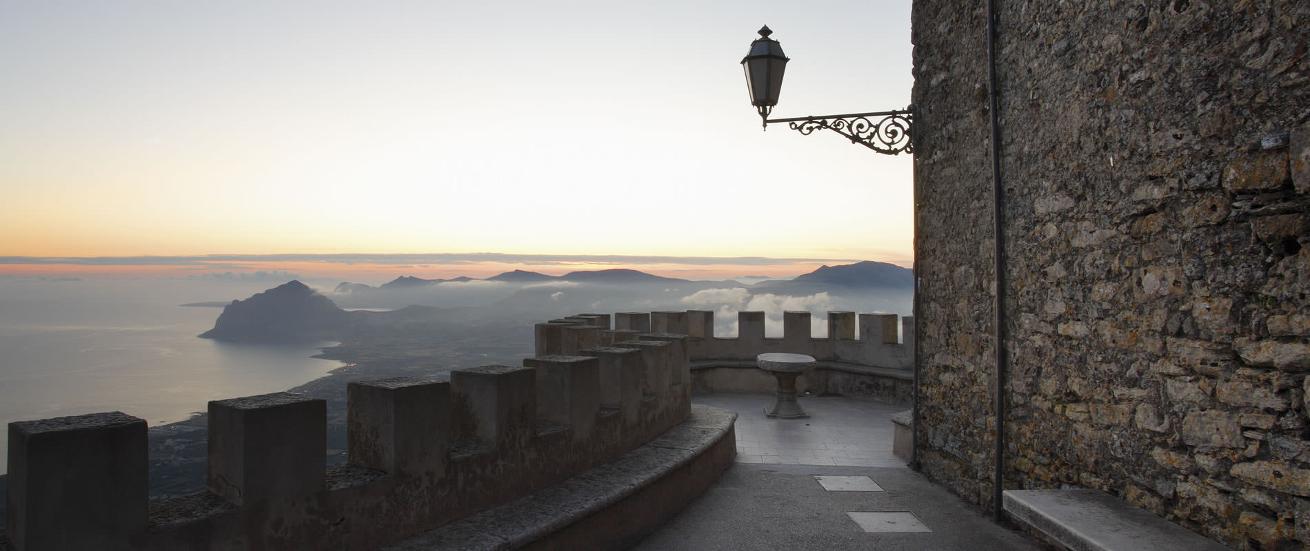 Panorami di Erice all'alba